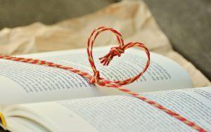 rr_heart_book-1760998_1920